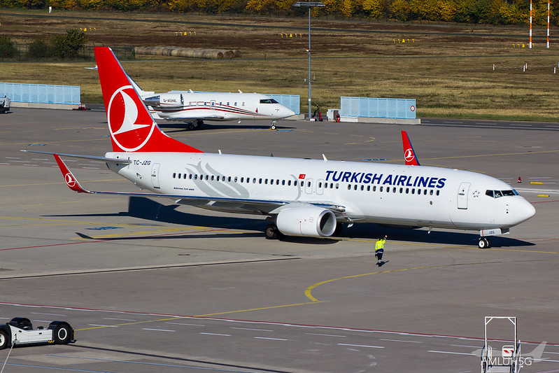 Turkish Airlines - B738 - TC-JZG (1)