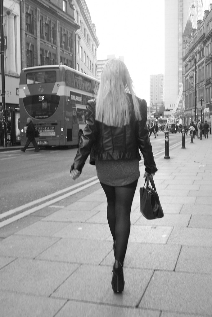 In high mini woman Sexy heels skirt