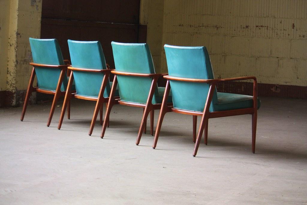 Charmant ... 1960s Dashing Midcentury Modern Stow Davis Sculptural Leather Arm Chairs  (Grand Rapids, Mi, 1960s