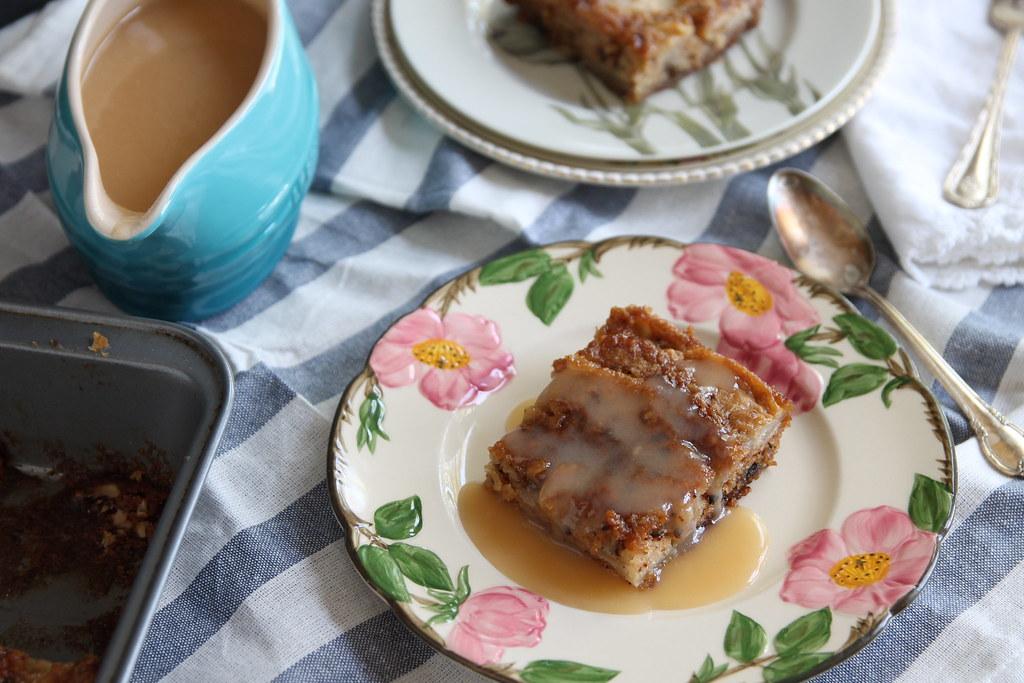 Fresh Apple Cake With A Decadent Dessert Sauce Fresh Apple Flickr