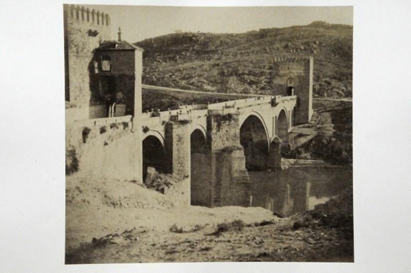 Puente de San Martín en Toledo en 1852. Fotografía de Felix Alexander Oppenheim © Museum für Islamische Kunst, Staatliche Museen zu Berlin