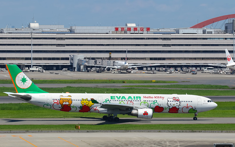 "B-16332 蘋果機 ""LOVES APPLES"" Special livery ""Hello Kitty""  EVA Air Airbus A330-203"