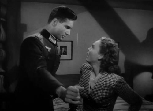 Edge of Darkness - 1943 - screenshot 5