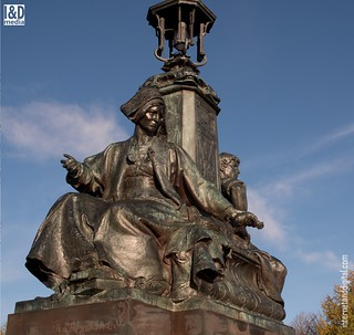 Industry & Commerce - bronze statue group Kelvin Way Bridge [HD] | by Internet & Digital