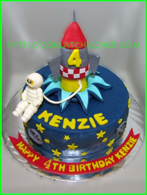 Cake Astronot