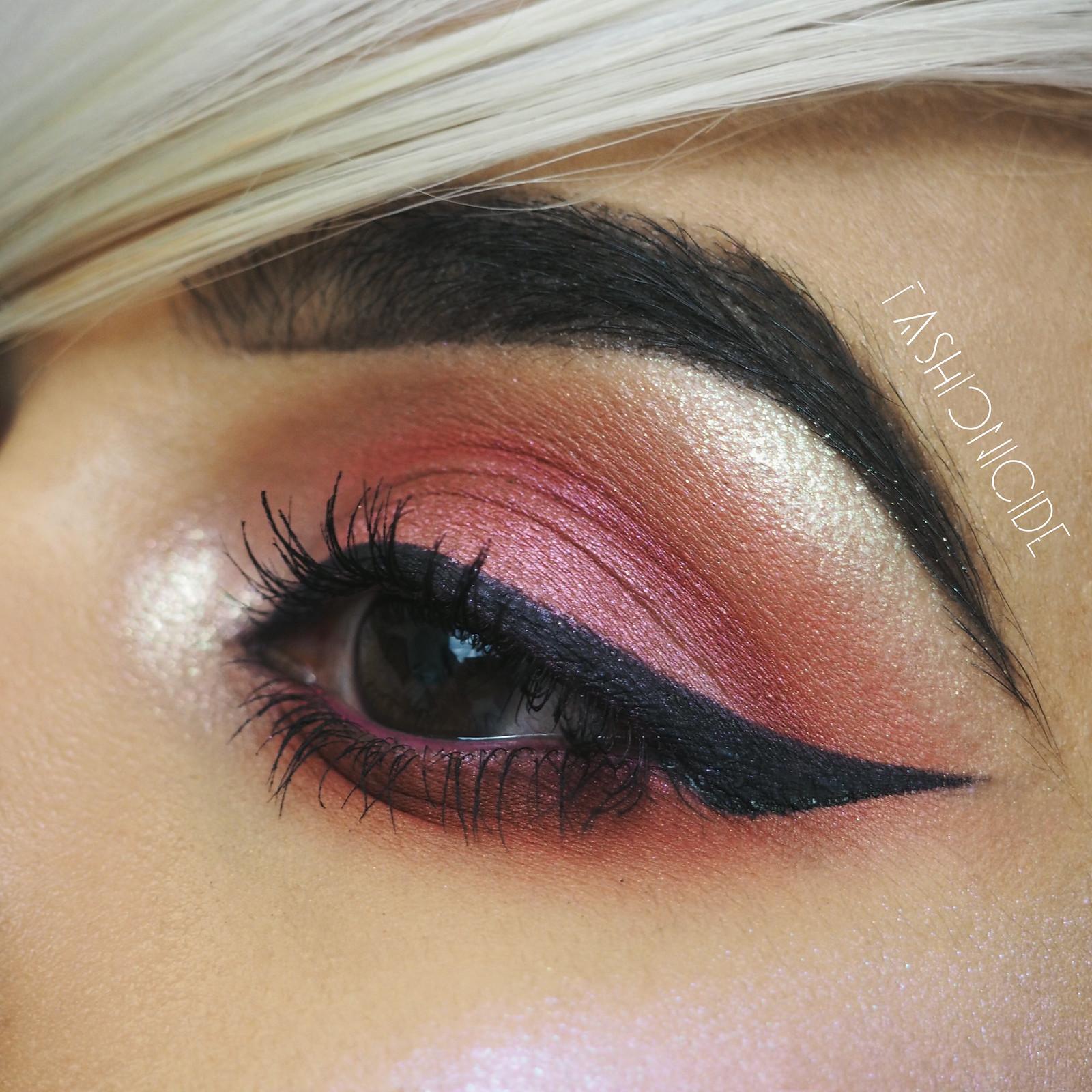 KIKO-Smart-Colour-Eyeshadow-Burgundy-Metallic-Red-Eye-Makeup-Look