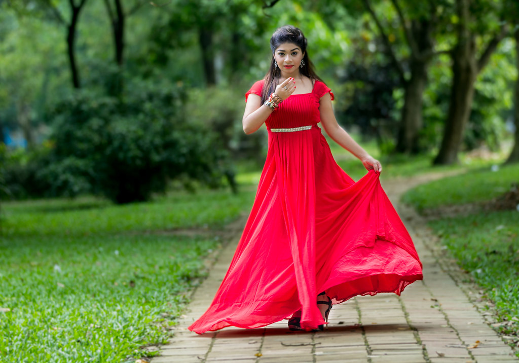 Red hot sara khan outdoor style fashion photography flickr red hot sara khan outdoor style fashion photography by neerajalam voltagebd Image collections