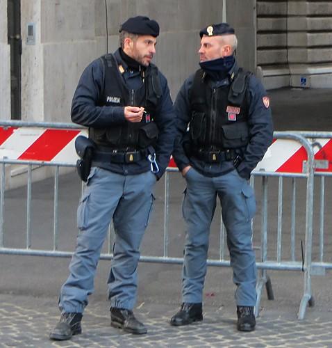 Roma polizia di stato tymtoi flickr for Polizia di stato roma permesso di soggiorno