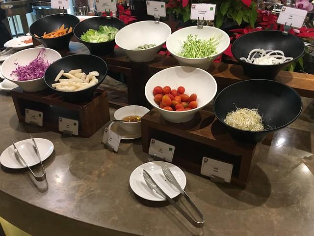 早餐:食材多樣的生菜沙拉@日月千禧酒店