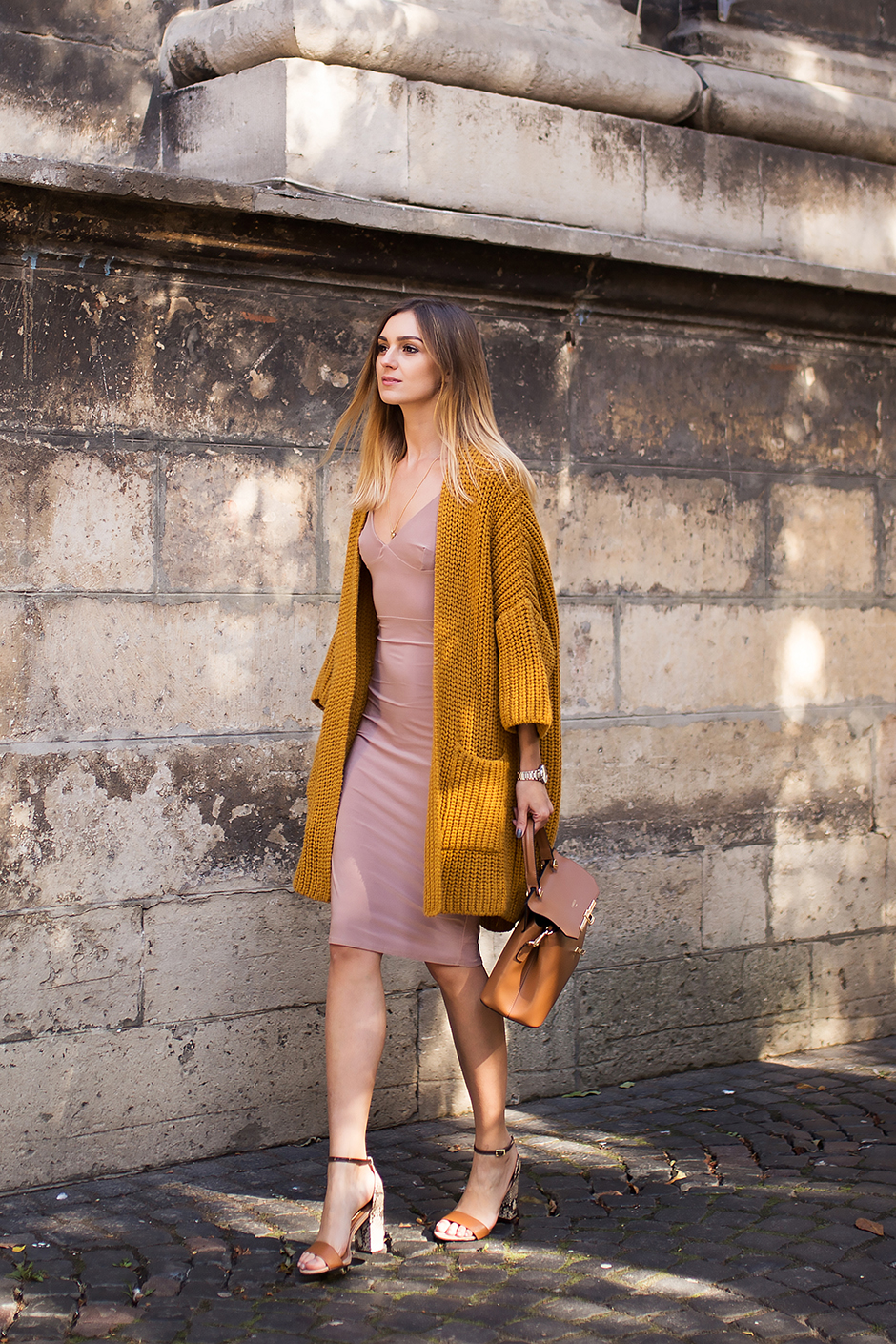 eea31a43b9 how-to-wear-yellow-chunky-cardigan-outfit-street- mustard-yellow-outfit -street-style