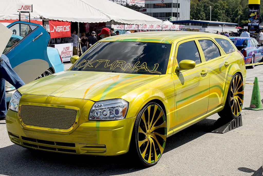 Glitzy Dodge Magnum At The 2015 Atlanta Nopi Nationals Car Flickr