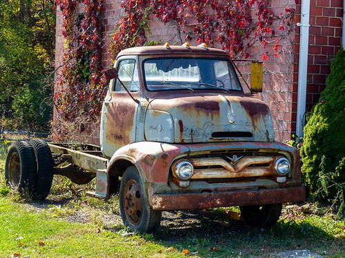 Rusty Old 1955? Ford C600 Cab Over Engine Truck | Guilford ...