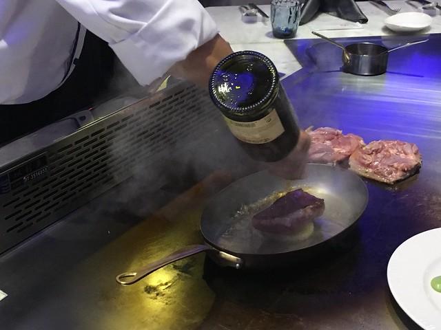 牛排加酒點火@台中西屯,日橡精緻鐵板料理