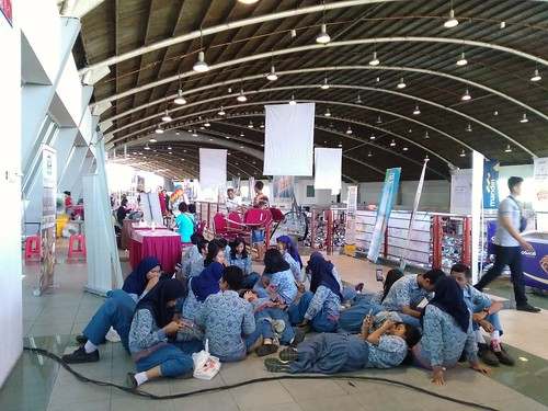 The Big Bad Wolf Book Sale Surabaya | by yuniarinukti