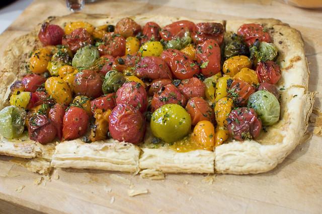 heirloom tomato & roasted garlic tart
