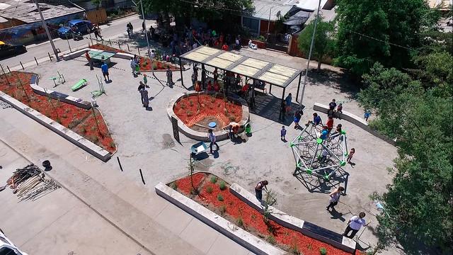 Plaza Renacer | Recoleta | Santa Isabel y sus clientes