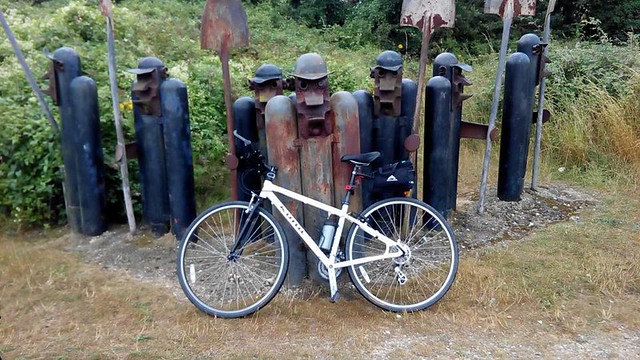 Cycle routes with unusual sculptures