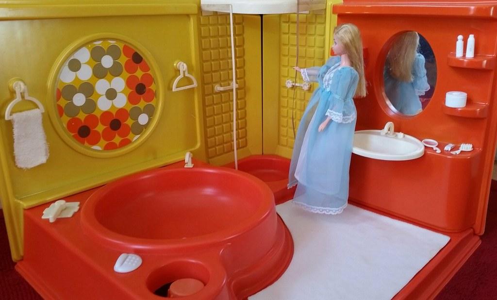... Barbie Badezimmer 70s ( Hollywood Luxus Badezimmer Von Tina Toy 70er )  | By Marion