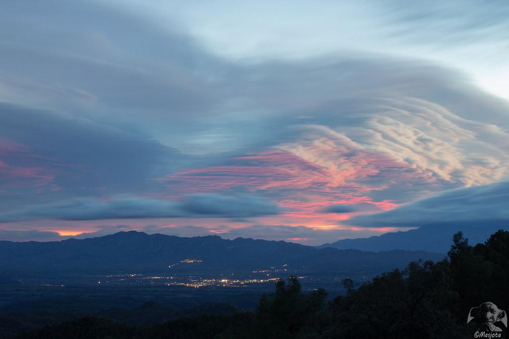 2015-11-25-campo-099-LR- El viento modelando las nubes.