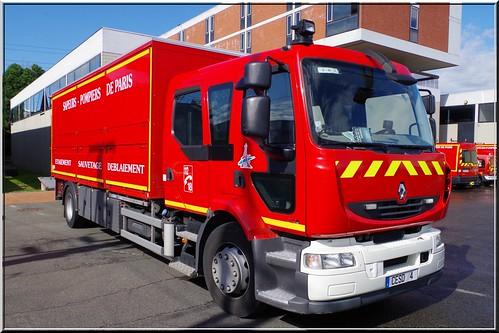 Renault midlum 270dxi cesd 4 etaiement sauvetage d blaiem flickr - Lit camion de pompier ...
