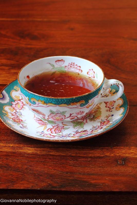 Tazza di tè antica con Yunnan Gold