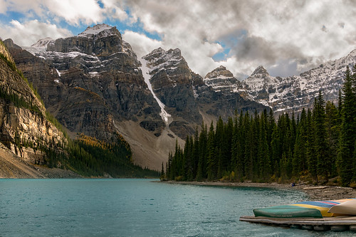 Kayaks on Moraine Lake | by essjayt