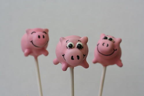 Pink Pigs Cake Pops | by Sweet Lauren Cakes