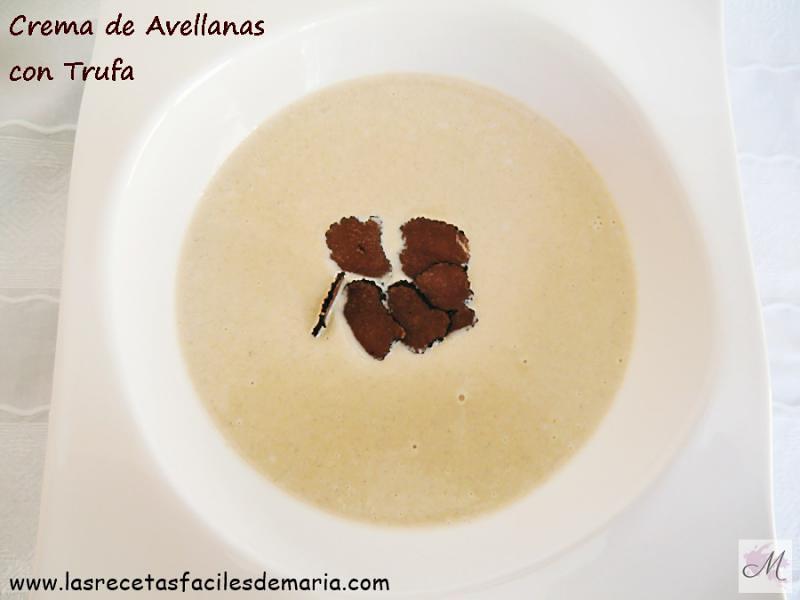Crema-de-avellenas-y-trufa-con-caldo-de-pollo-coquelet https://www.lasrecetasfacilesdemaria.com/2016/12/coquelet-con-crema-de-avellanas.html/