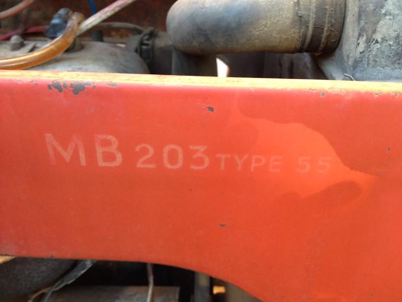 les TRACTEURS AGRICOLES à moteur 203 - Page 2 30809056416_e933cc2987_c