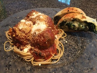 Spaghetti and meatballs with spinach bread | by stevenbr549