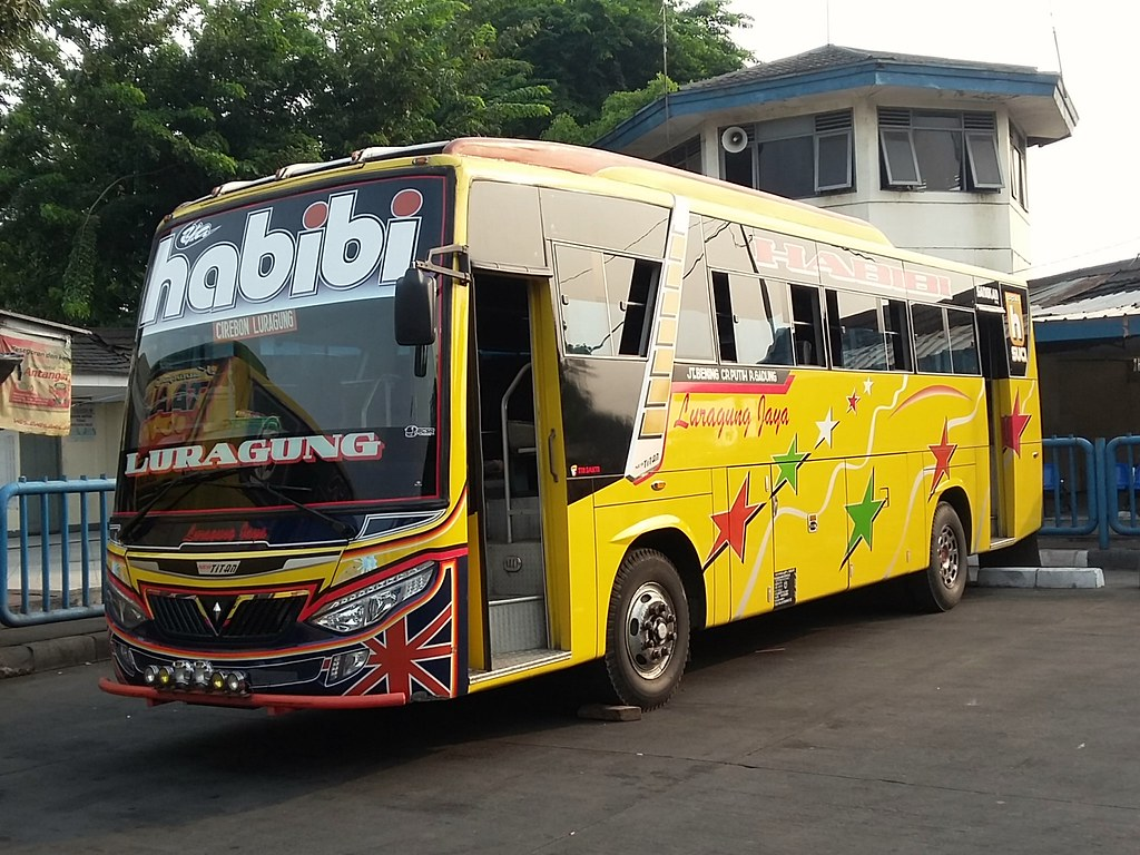 """Inilah Bus-Bus """"Raja Jalanan"""" Indonesia"""