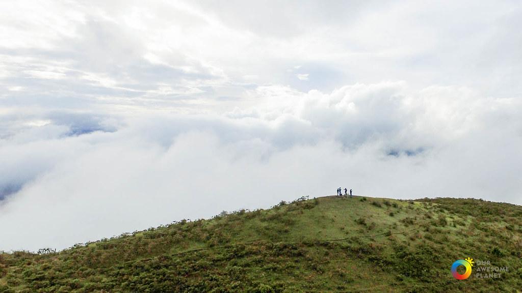 Sagada's Marlboro: Basking in a Sea of Clouds at Kamanbaneng Sunrise Peak! (Photo Essay)