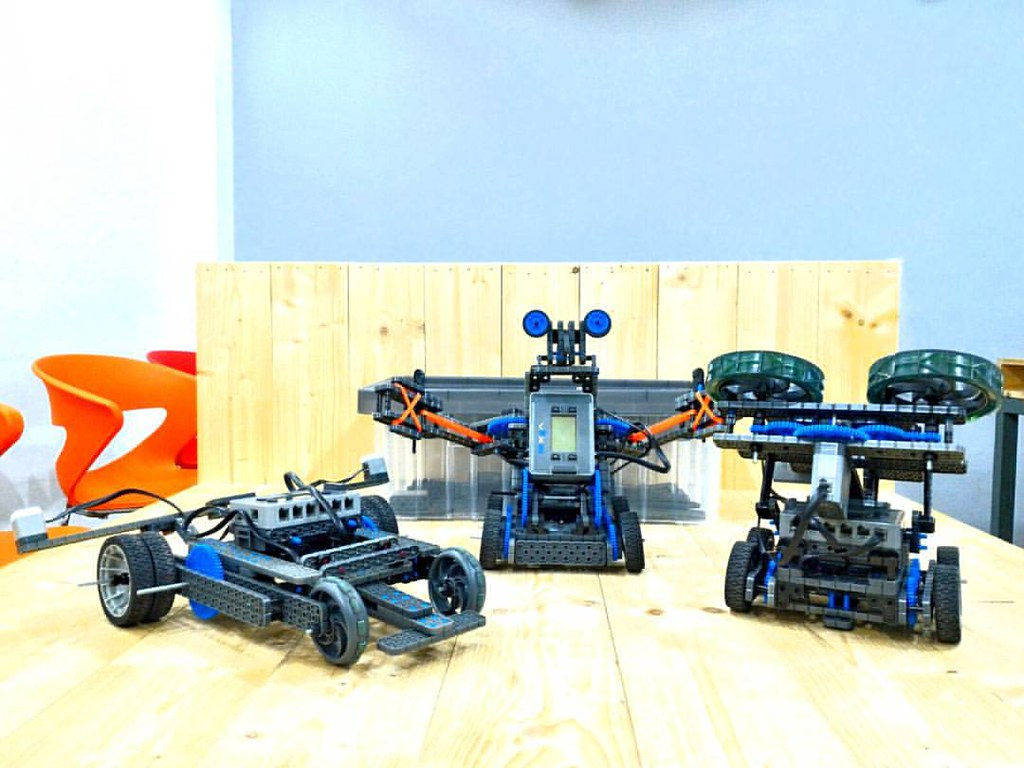Vex Iq Robots Hold Unlimited Possibilities Of Amazing Desi Flickr