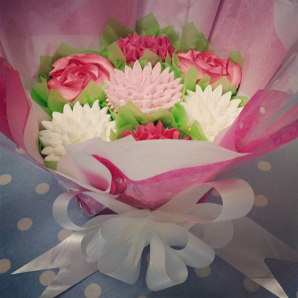 Another pretty cupcake bouquet delivered cupcakes surpr flickr another pretty cupcake bouquet delivered cupcakes surprise pink bouquet gift izmirmasajfo