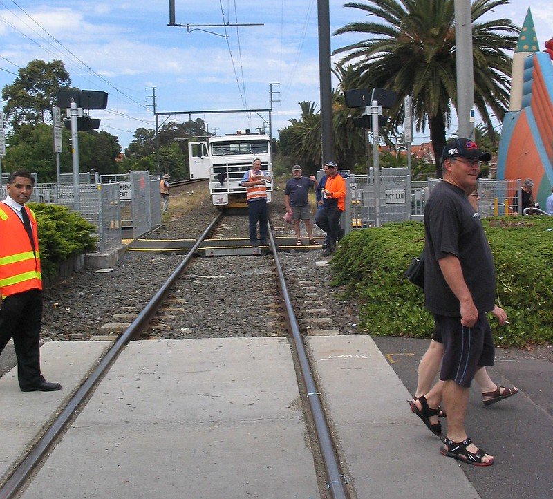 Rail works during the Bentleigh Festival, November 2006
