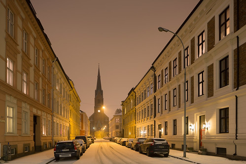 Oslo Street in the Snow, Uranienborg Church | by metroblossom