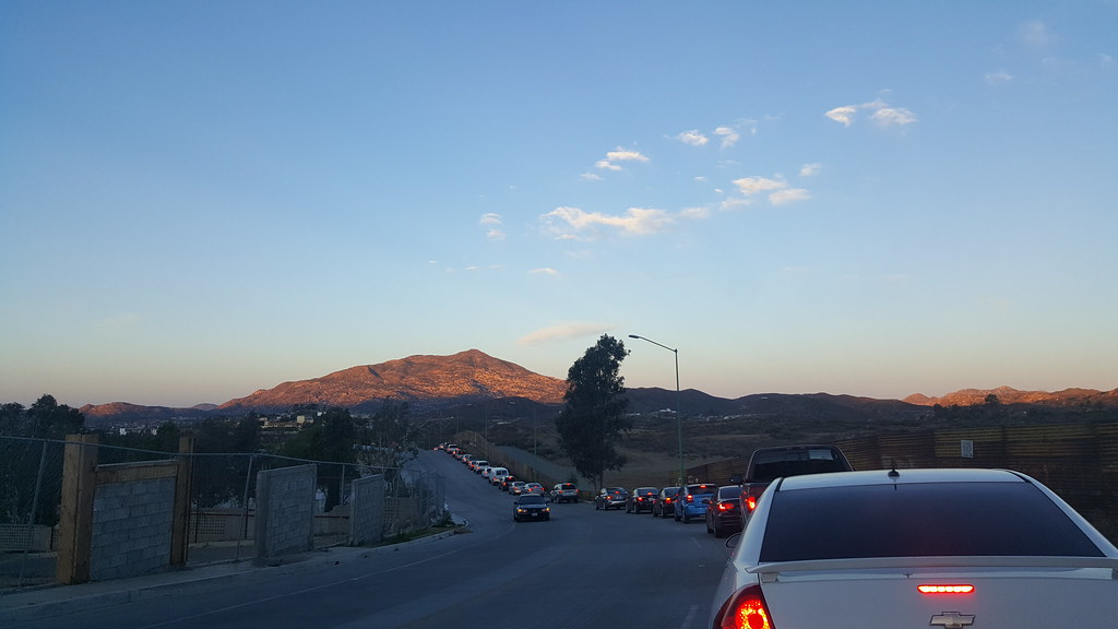 A Mile Of Cars Crossing The Tecate Mexico Us Border This Flickr