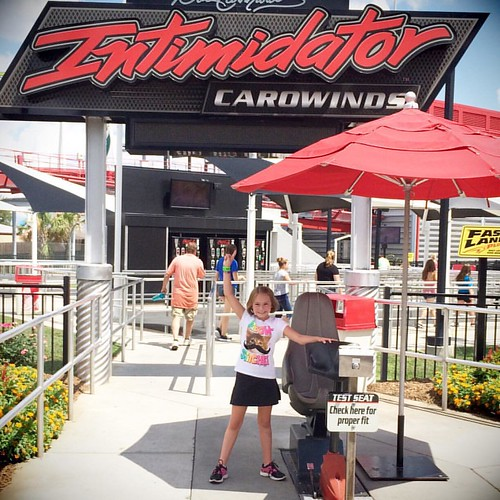 First time on #intimidator #happygirl #carowinds #rollercoaster #finallytallenough | by thelucaszoo