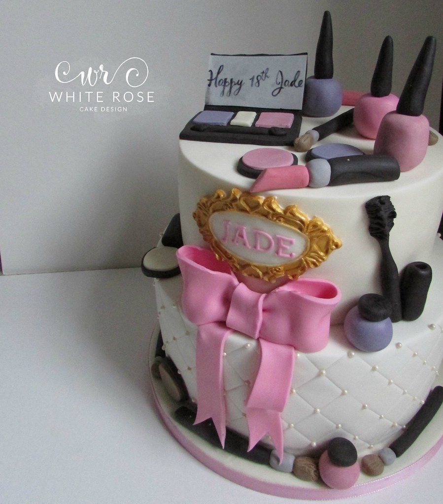 Two Tier Make Up Themed 18th Birthday Cake Huddersfield Ca Flickr