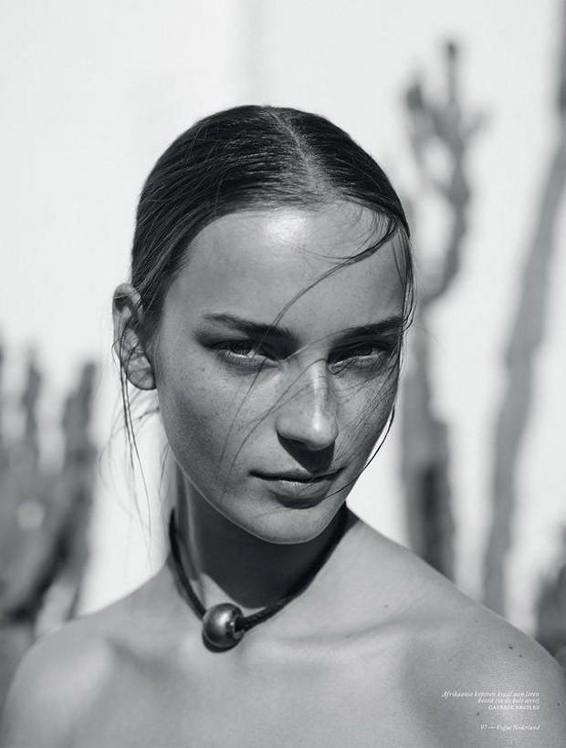 Julia-Bergshoeff-Vogue-Netherlands-Annemarieke-Van-Drimmelen-03-620x820