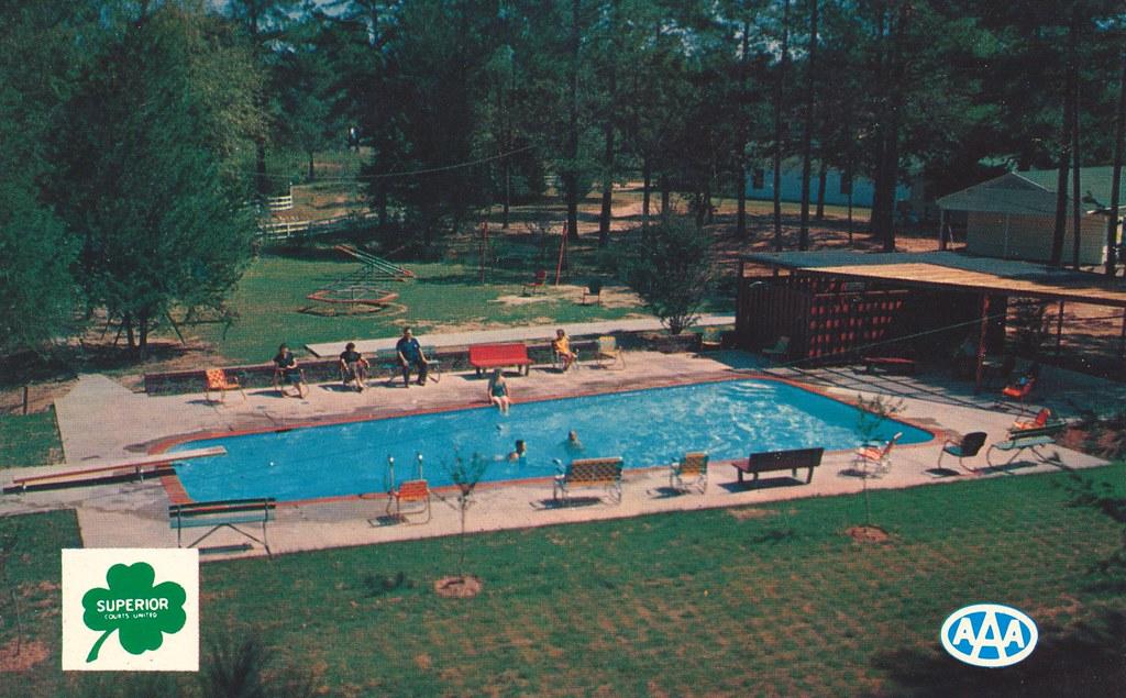 Tanglewood Lodge - Shreveport, Louisiana
