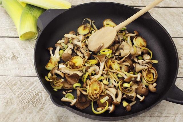 leek-and-mushroom-saute