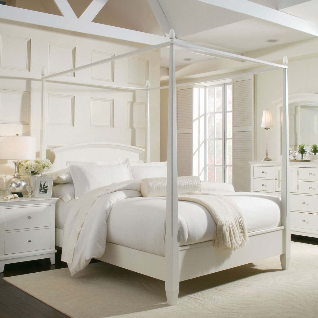 Modern Canopy Bed Ideas and Buying Tips | Some people love h… | Flickr