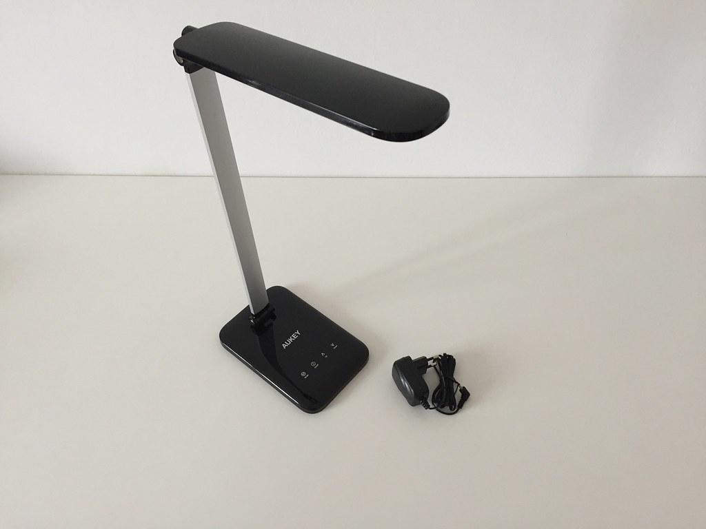 Lampe de bureau led aukey avec prise secteur francois remi