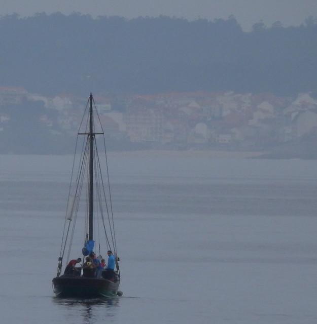 Barca frente a Portonovo