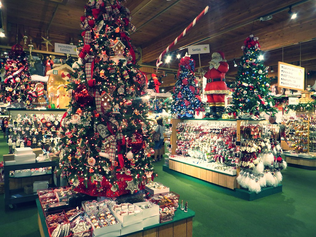 bronners christmas wonderland frankenmuth michigan by ken lund