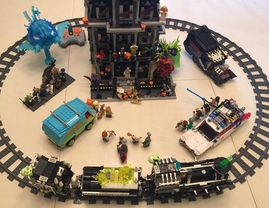 the halloween lego display i always dreamed of customized haunted house rc motorized ghost - Lego Halloween Train