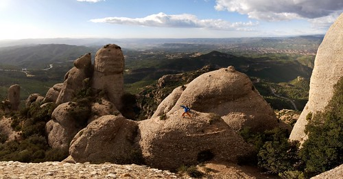 Paleo walking in Montserrat