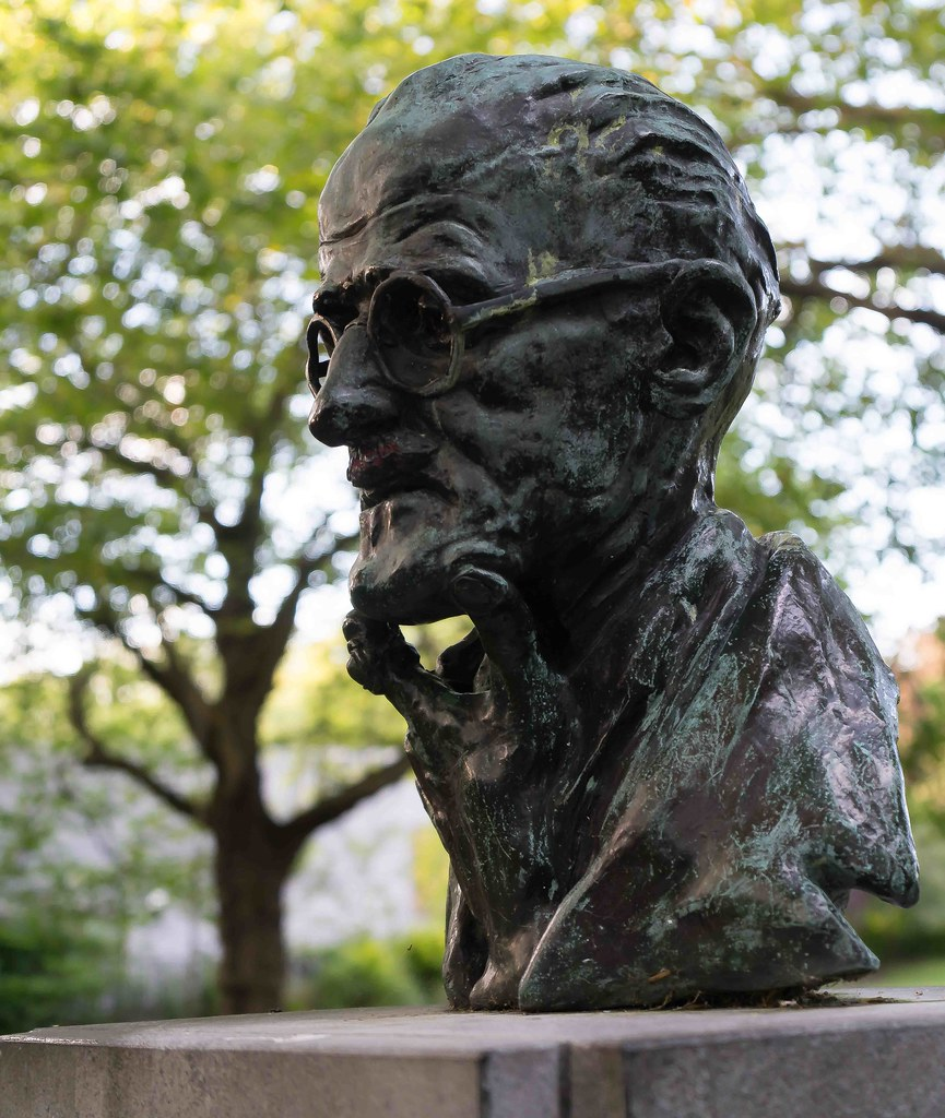 JAMES JOYCE [ST. STEPHEN'S GREEN] REF-1085624