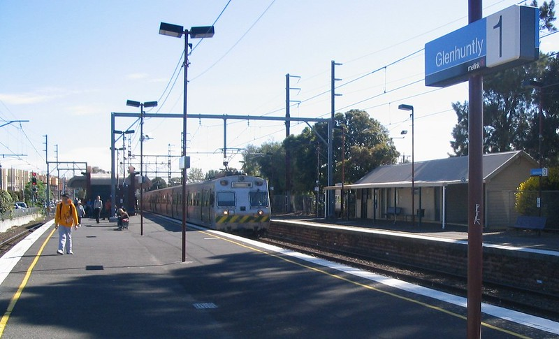 Glenhuntly station, October 2006